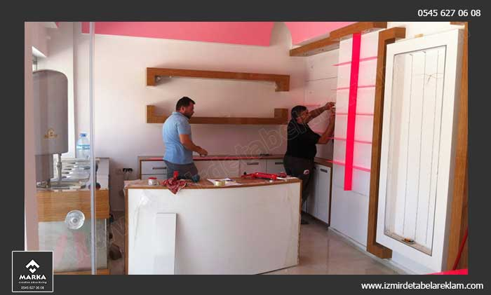 izmir vitrin dekorasyonu, izmir dekorasyon, tadilat, mağaza dekorasyonu, izmir tabela reklam